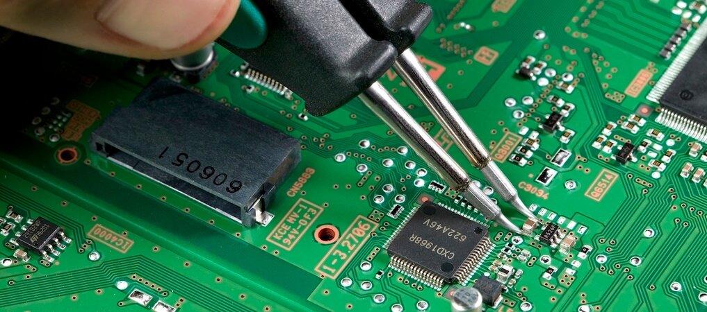 Electronics Assembly Training Blackfox